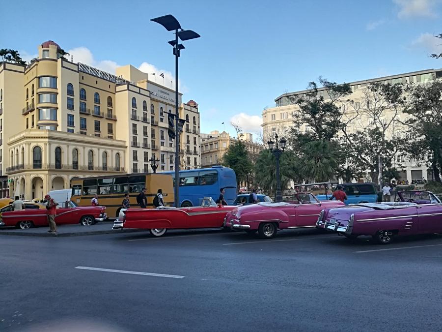 stari auti, američki auti na kubi, stari auti na kubi, kubanski taxi,