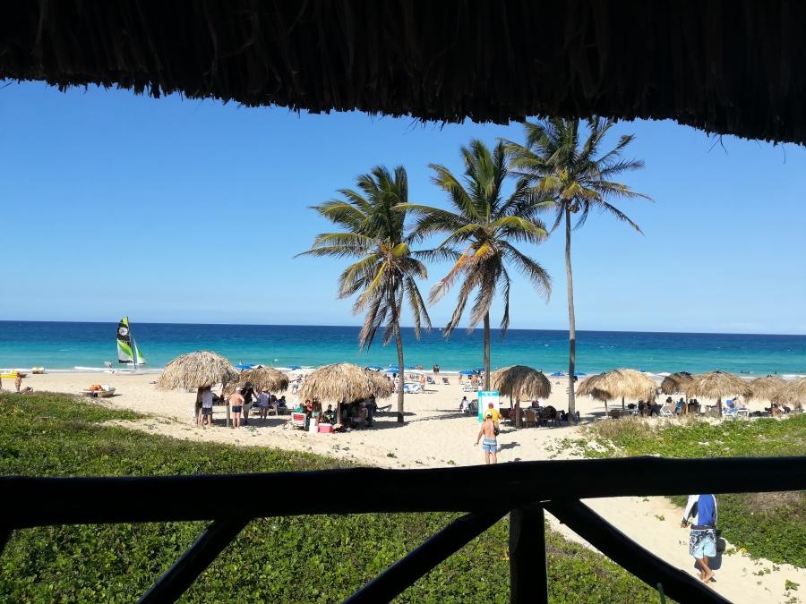 plaža na Kubi, pješčana kubanska plaža,